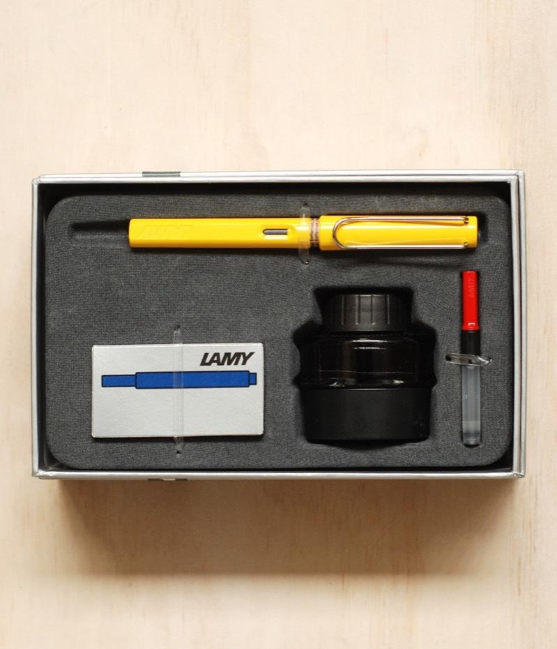 Lamy Gift Pack: Safari Fountain Pen Medium, Yellow
